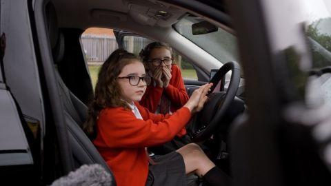 Παιδιά μέσα σε ένα αυτοκίνητο Ford